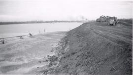 Levee under construction after Yuba City flood.