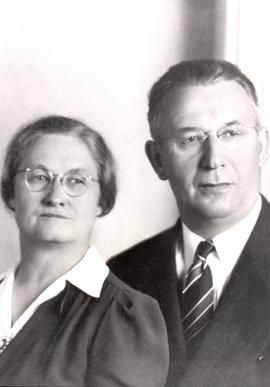 Aganetha and Jacob D. Hofer