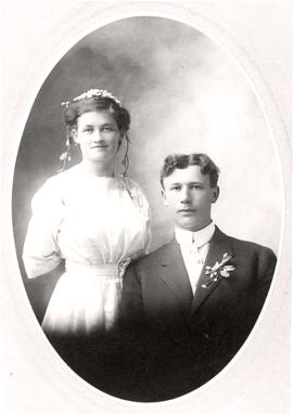 Wedding portrait of Aganetha and Jacob D. Hofer