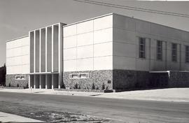 Reedley Mennonite Brethren Church building shortly after construction in 1952