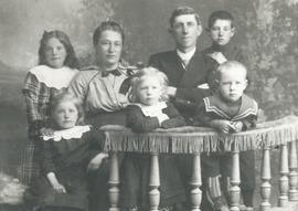 B.B. and Maria Janz with 2 sons and 3 daughters