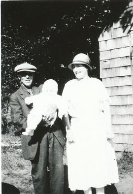George Marshall and Henrietta Knox with baby daughter Edith