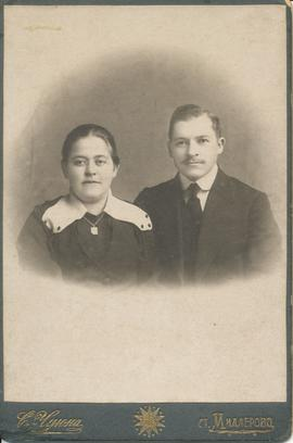 Wilhelm and Anna (Reimer) Dyck