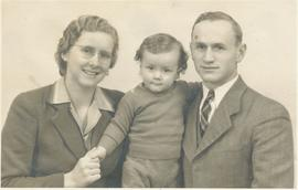 John A. & Mary (Letkeman) Dyck with son Roland Chester