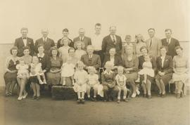 Peter P. and Helena (Wieler) Martens and family