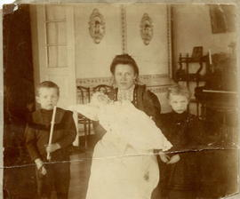 Abram, Helene and Aganetha Bergmann with Nanny