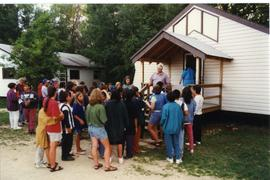 Neill Von Gunten addressing a group of campers