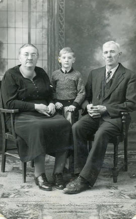 Johann & Anna Hiebert with son Stanley